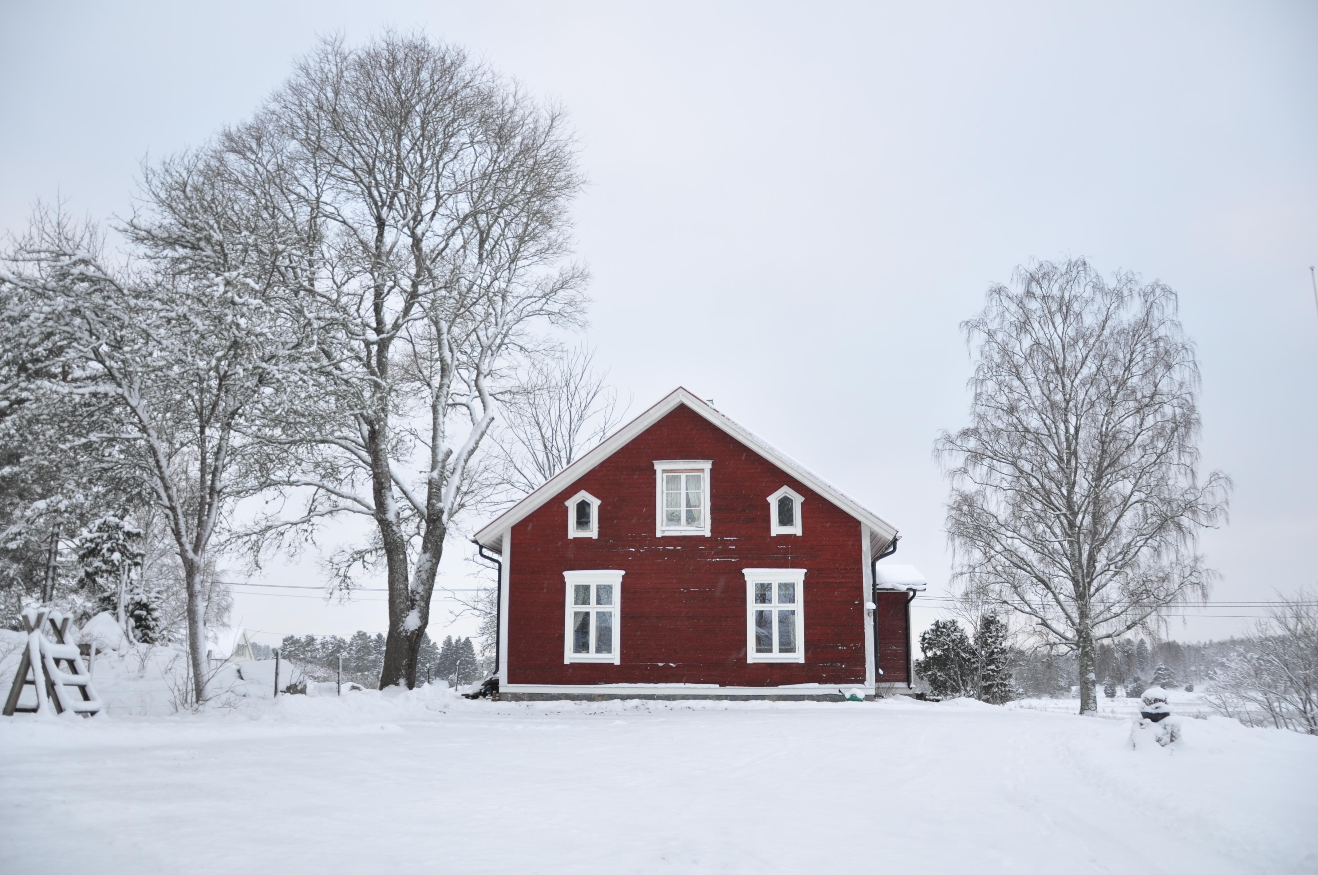 Kinnsta skola i vinterskrud